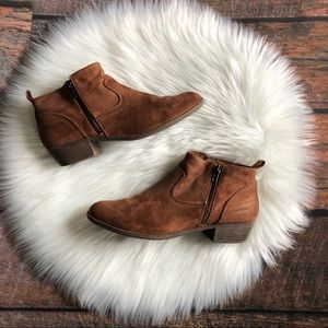SO American Heritage Suede Zipper Ankle Boots 10